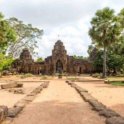 Les temples de Ta Phrom et de Tonlé Bati